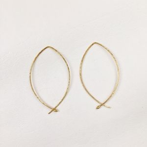 STELLA & DOT Small Hammered Wire Hoops in Gold